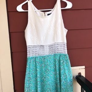 White & Teal Dress w/ Lace Middle